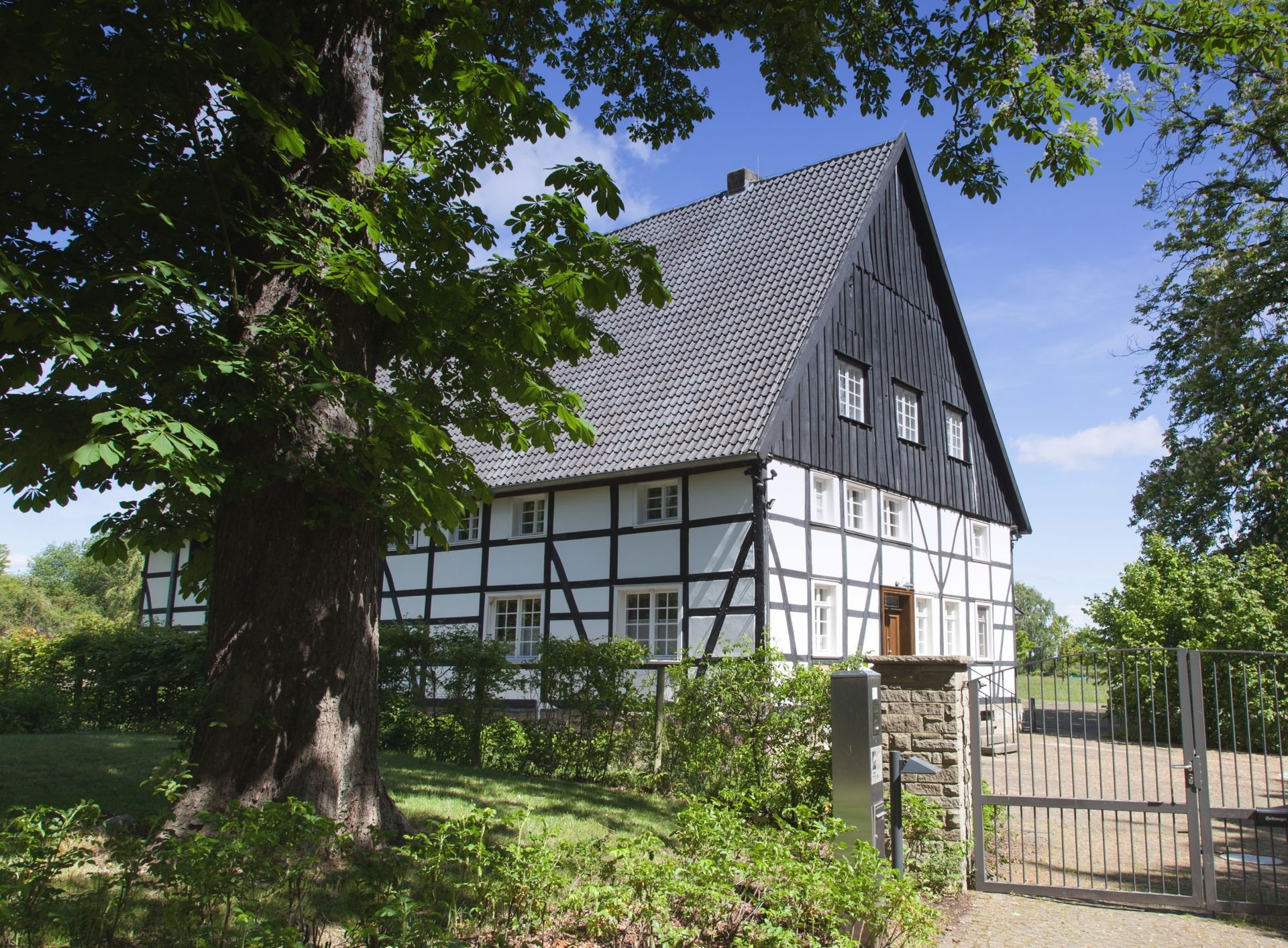 01-holzwickede-emscherquellhof-IMG 5905