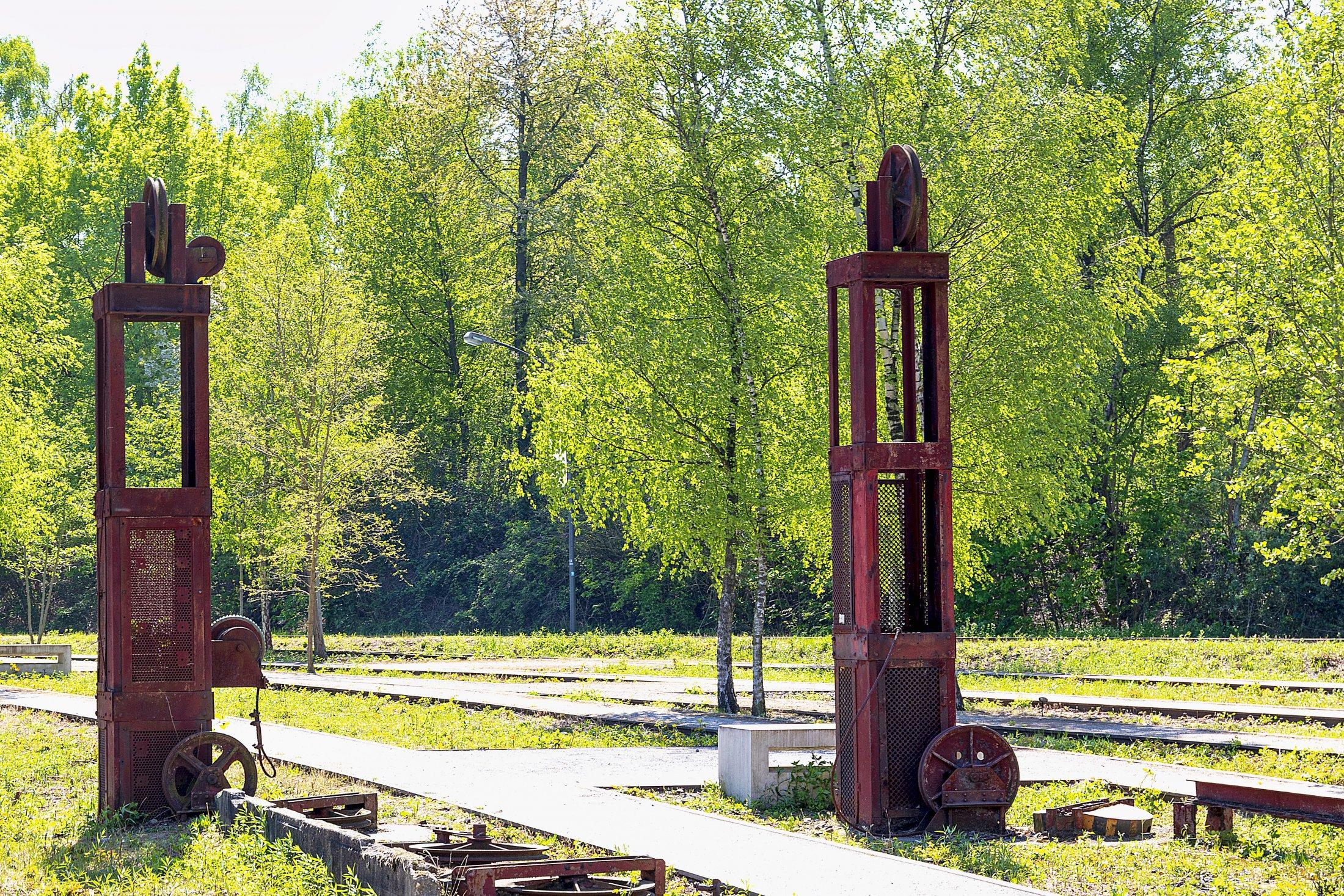 Einrichtung zur Steuerung der Züge