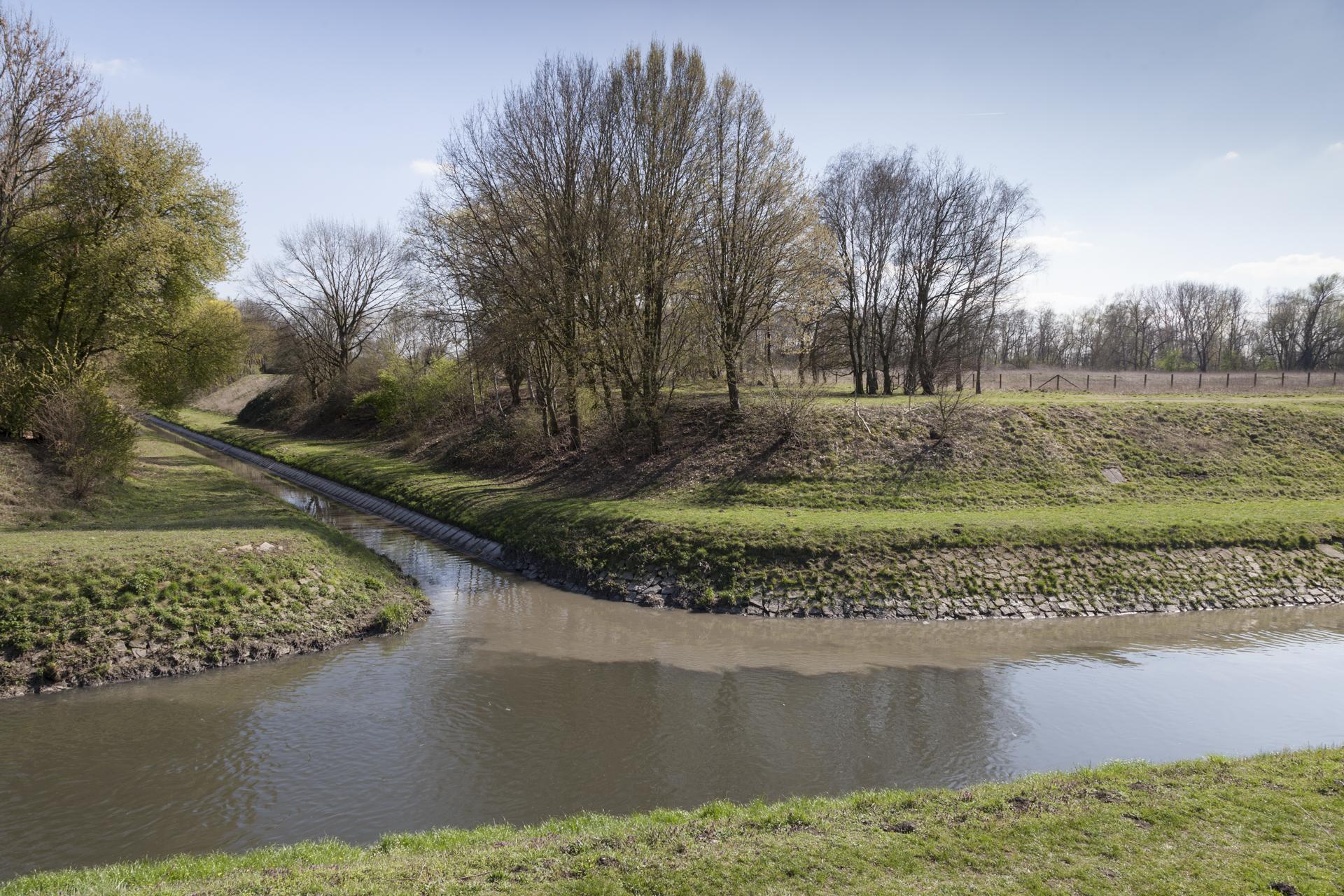 Landwehrbach in Herne, Einfluss in die Emscher