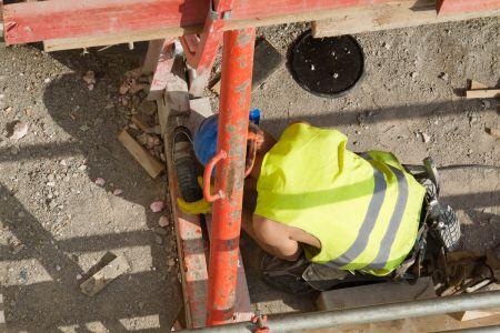Arbeiter Baustelle Pumpwerk