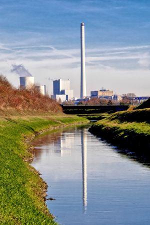 Kraftwerk Im Spiegel